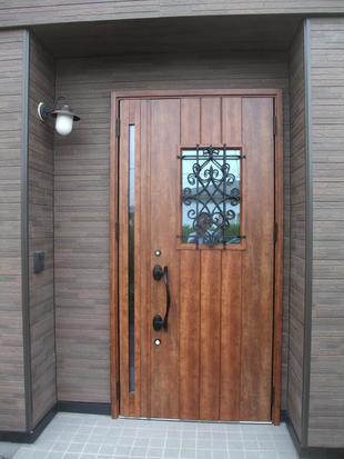 T様邸玄関ドア・ポーチ改修