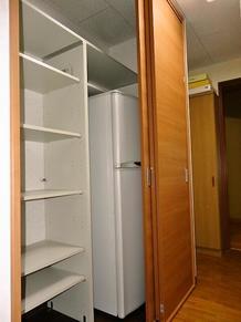 冷蔵庫もすっきり隠せる収納