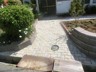 雑草だらけの庭を低予算でチェンジ!!