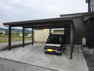 新築の住宅に合わせたカーポート