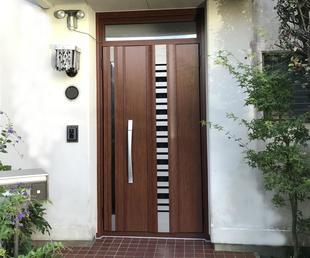 玄関ドアを交換 LIXILリシェントなら1日で取付完了です