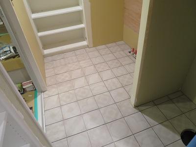 洗面室床.JPG