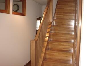 階段の手摺をオープンに