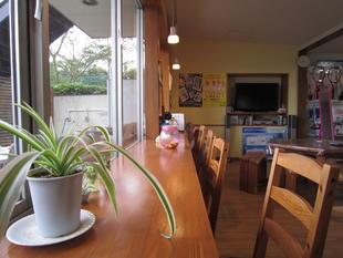 カフェのようなロビーで寛げる空間