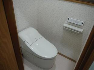 暖かく明るいトイレ空間にリフォーム