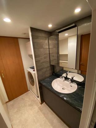 浴室と洗面室を高級感のあるプライベート空間へ