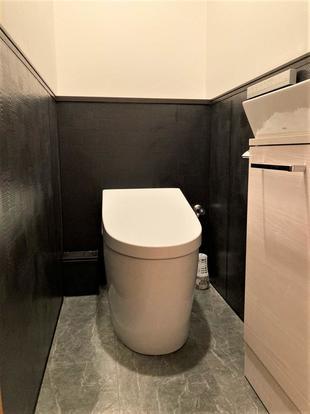 お掃除しやすくホテルライクなトイレへ