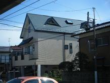 外壁と屋根の仕上材を塗り替えた外装リフォーム