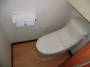 市川市 便器交換と内装張替のトイレリフォーム