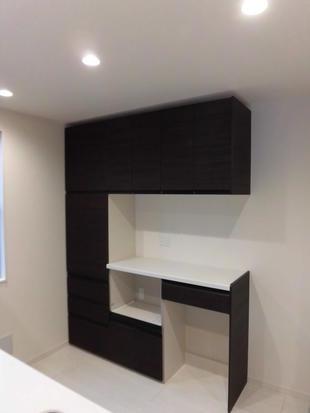 江戸川区 既存のシステムキッチンに合わせた食器棚&家電収納