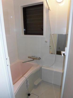 江東区 狭小でも使いやすいコンパクトバスルームへ浴室リフォーム