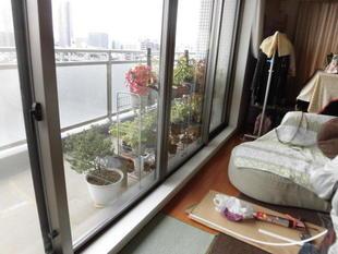 江東区ベランダサッシの窓枠を簡単リニューアル