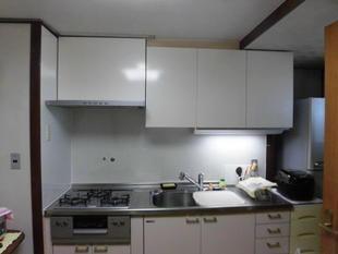 松戸市システムキッチンの吊戸棚&レンジフードの交換リフォーム