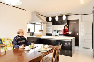 キッチンと一緒に暮らしも生まれ変わった