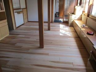 温水式の床暖房設置工事