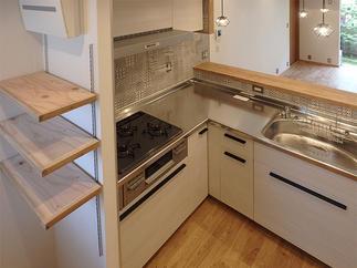 キッチンと棚