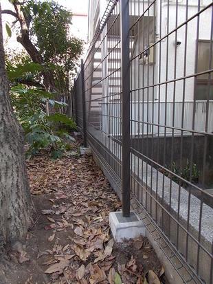 木製塀をグリッドフェンスお取替え 杉並区K様邸