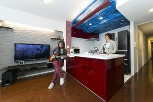 調布市N様邸 カラーが楽しいオープンキッチン!