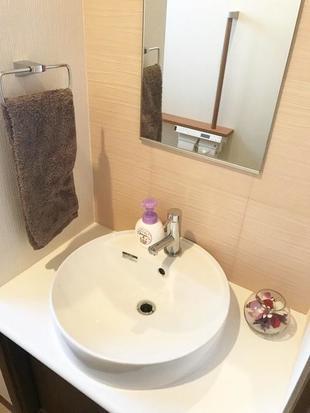 日野市 Y様邸  ご要望通りのステキな手洗い付きトイレ空間に!