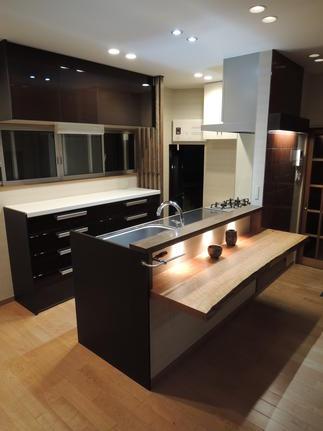 和風住宅にあわせてデザインしたキッチン