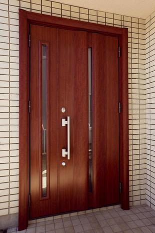 お住まいの顔『玄関ドア』リフォーム