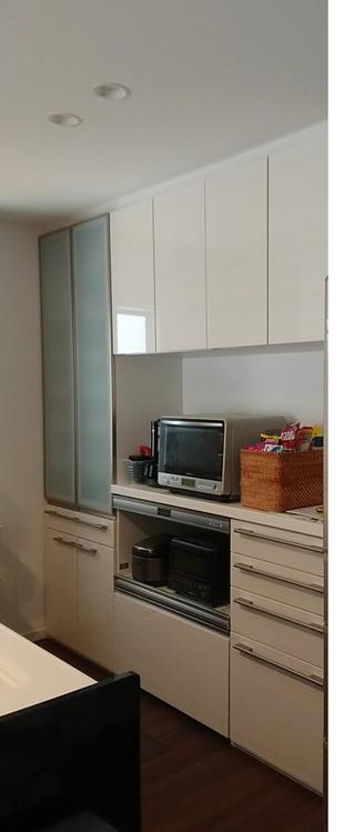 新築のお住まいに食器・家電収納棚を取付