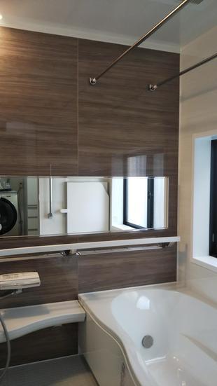 練馬区 落ち着きのあるデザイン性の高い浴室に