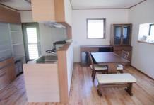 町田市N様邸  無垢のフローリングと家族の顔が見えるキッチン