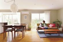 戸建てリフォーム アンティーク家具に調和した空間