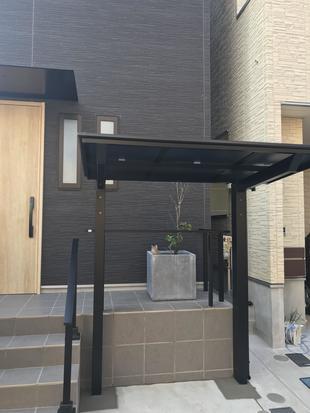 エクステリアリフォーム(フェンスと階段手摺とサイクルポートの工事)