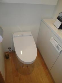 トイレ取替(旧サティスSから新サティスS)に取替えて頂きました。