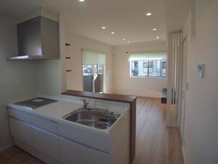 2階に1部屋増築し完全2世帯住宅へ