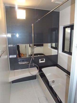 小さめだった浴室を広げ1坪のユニットバスへ