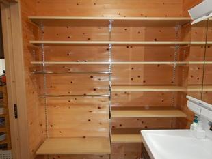 洗面脱衣室リフォーム:LIXIL「すっきり棚」取付工事で使い勝手の良い洗面空間へ