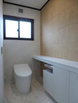 明るく快適なトイレ空間に