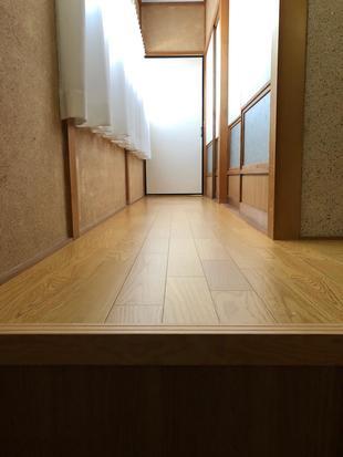 廊下の床張で安心・安全に