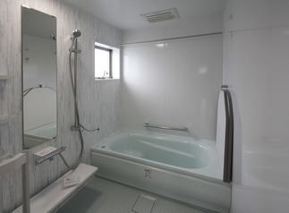 1.5坪タイプの浴室。広々しています。