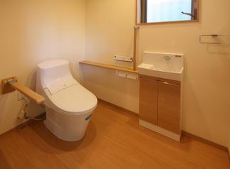 ご高齢でも快適に住まえる浴室になりました