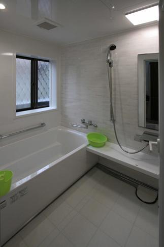 鉄骨系ハウスメーカーのお風呂を改装しました。