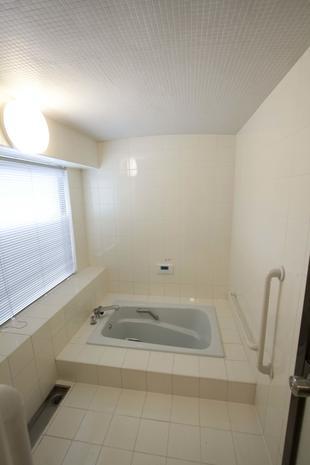 浴室のリフレッシュでこんなにキレイになります。
