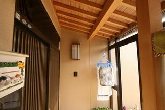 木洗いでポーチも新築同様に生まれ変わりました。