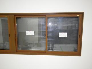 窓はインプラス
