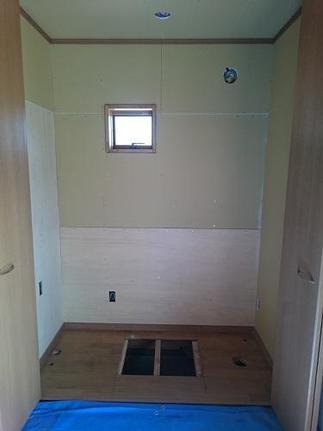 換気扇と窓を新設