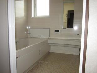 長野市 N様邸 狭い浴槽から広々浴槽へ