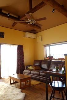 中古住宅を若いご夫婦のためのリゾート風の空間にリノベーション