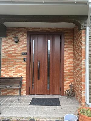 玄関ドアのリフォームで家も気分もリフレッシュ