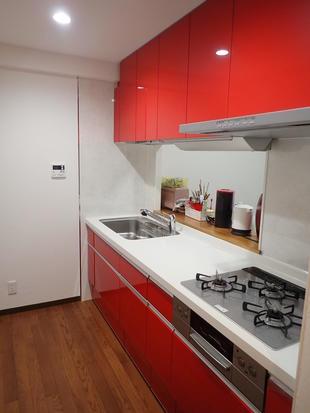 マンションのキッチンもトイレも収納量アップで快適!