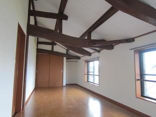 天井の高い子供部屋(小屋裏改装)