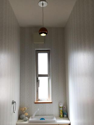 玄関・トイレの照明取替え