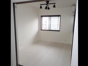 琉球畳から白を基調にした洋室へ
